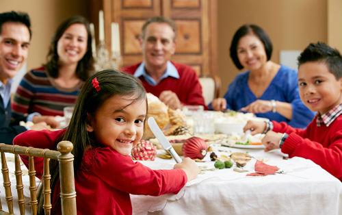 family-dinner01