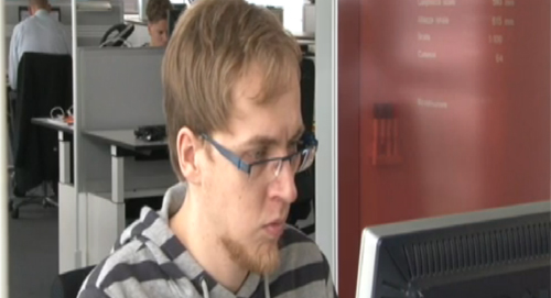 Аутист - сотрудник крупнейшей компании в Германии, благодаря новой программе трудоустройства при аутизме